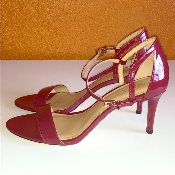 a9e10eb37973 Michael Kors Simone dress sandal size 9.5. M 5aceac53a4c485f62ed71933